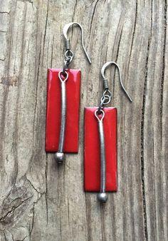 Boucles d'oreilles rouges / rouge bijoux rouge par RusticaJewelry