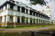 21545631-Lawang-Sewu-OLD-BUILDING-IN-MYSTIC-AND-FULLY-Semarang-INDONESIA-Stock-Photo