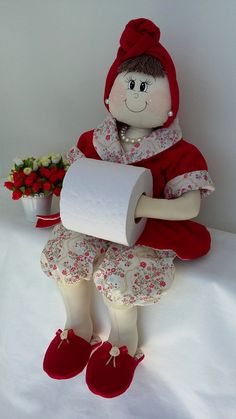 Splashings of Fabric Funny Toilet Paper Holder, Hobbies And Crafts, Diy And Crafts, Toilet Roll Craft, Craft Projects, Projects To Try, Patchwork Tutorial, Bathroom Crafts, Wedding Flower Arrangements