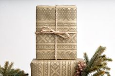 Winter Sweater Wrapping Paper // Gold on Green