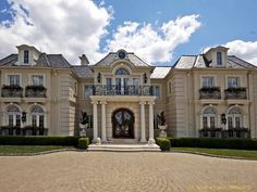 Private Chateaux in South of France
