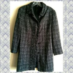 """Tahari Woven Black & White Long Tweed Jacket sz S Great 3/4 length sleeve black, grey and white boucle car jacket, snap front, fully lined, single breasted, bal collar. Couple of tiny thread pulls, but because of the texture of the fabric, they aren't noticeable (see collage pic, lower right corner for detail). Great coat for year-round wear, goes with anything, exceptional tailoring. Doesn't fit me anymore or I'd never part with it! About a size 6-8. Shoulder width, seam to seam ~16.25""""…"""