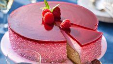 Dessert Dishes, Dessert Recipes, Sweet Recipes, Keto Recipes, Bavarian Cream, Christmas Deserts, Ganache, Profiteroles, Vegan Ice Cream
