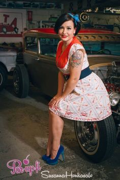 Photo by Susanna Honkasalo. Accessories: Cybershop.  hotrod - pose - pin-up