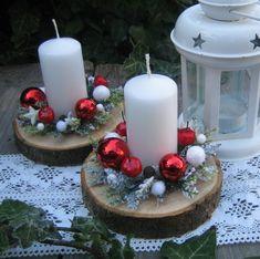 Svícen+na+dřevěné+podložce+Drobná+vánoční+dekorace+na+dřevěné+podložce,+kterou+jsem+doplnila+vánočními+přízdobami+a umělou+zasněženou+zelení. +Šířka+dekorace+je+cca+11cm.+Již+pouze+jeden+kus. Christmas Candle Decorations, Christmas Arrangements, Christmas Tablescapes, Christmas Candles, Christmas Art, Christmas Wreaths, Christmas Ornaments, Christmas Wonderland, Homemade Christmas Gifts
