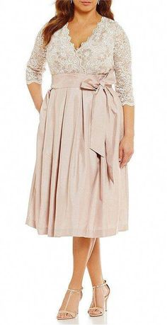 33 Plus Size Wedding Guest Dresses {with Sleeves} - Plus Size Cocktail Dresses -. - Plus size - Wedding web Trendy Dresses, Sexy Dresses, Prom Dresses, Dresses With Sleeves, Strapless Dress, Plus Size Wedding Guest Dresses, Plus Size Cocktail Dresses, Mode Plus, The Dress