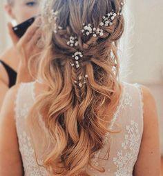 Make it simple, yet significant! #inspiration #weddinghair #madameshoushou #weddingplanner #weddingphotography #wedding #weddingday #weddingdecor #weddingdress #bridal #bridaldress#weddingphotographer #weddings #weddinghair #weddingideas #weddingparty #weddinginspiration #weddingideas #bride #brides #bridesmaid #bridesmaids #atelier #greek #styling #simplicity #elegance