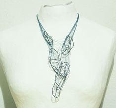 necklace, silber und zwirn