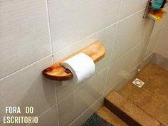http://www.mueblesdepalets.net/2014/08/como-hacer-un-soporte-para-el-papel-higienico-con-palets.html