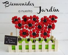 Celebra con Ana: ♥ Flores de gominola Candy Favors, Candy Gifts, Festa Lady Bag, Bar A Bonbon, Garden Birthday, Ladybug Party, Festa Party, Edible Arrangements, Candy Bouquet
