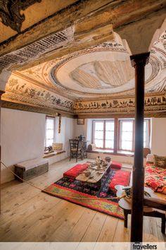 Καστοριά, αρχοντικο αιβαζη Valance Curtains, Travelling, Spaces, Traditional, Home Decor, Greece, Homemade Home Decor, Valence Curtains, Interior Design
