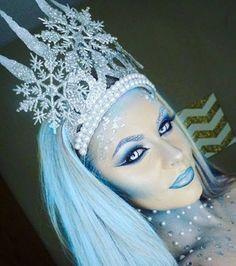 christmas costumes for halloween Another ice queen picture Halloween Makeup Looks, Halloween Face, Easy Halloween, Ice Queen Makeup, Ice Makeup, Skull Makeup, Hair Makeup, Ice Queen Costume, Hallowen Costume