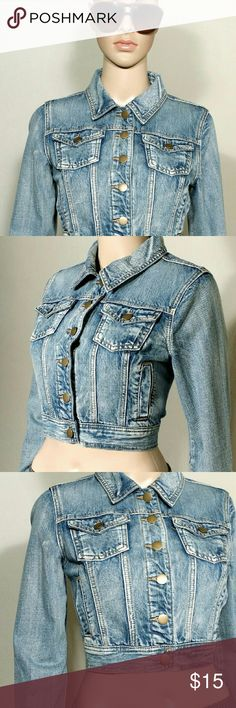 Forever 21 Womens Blue Denim Cropped Jacket Size M MEDIUM In very good condition!! Very adorable!! A great gift!! Fast Shipping!! Forever 21 Jackets & Coats