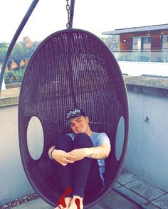 @jack_maynard : Chill time in my egg.