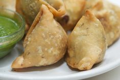 Samosas have got to be the perkiest snacks one can have in the Indian snacks echelon. Nothing brightens ones day as much as a hot, crispy, spicy samosa with a hot cup of tea (esp. on a rainy day)…