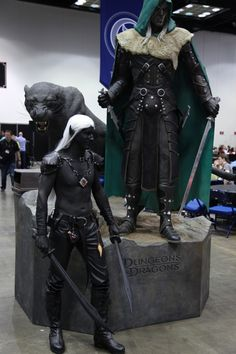 Some of the best cosplay that we bumped into at Gen Con Fantasy Heroes, Elves Fantasy, Fantasy Books, Fantasy Characters, Fantasy Art, Elf Cosplay, Cosplay Costumes, Drow Male, Drizzt Do Urden
