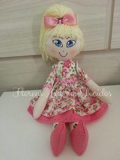 Boneca em tecido 100% algodão, olhinhos pitados e carinha de sapeca! Beautiful!