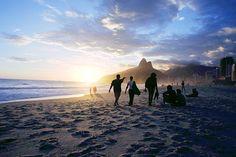 Deliciosa praia, ao pôr-do-sol!