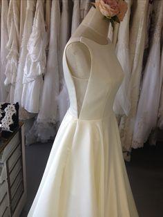#proudlylubellos #dressbianca White Dress, Bride, Wedding Dresses, Fashion, Wedding Bride, Bride Dresses, Moda, Bridal Gowns, Bridal