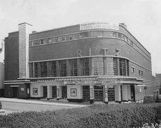 Southend Timeline-The Ritz is No More - Another former cinema was demolished in January. This time the Top Rank Bingo venue, once the Ritz, on Pier Hill gave way to the fresh new development of the Royals Shopping Centre.  The Ritz would have been a popular venue during the 50's and 60's nestled close to the Palace Hotel and the Queen Victoria Statue pointing out to the estuary just outside