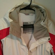 *REDUCED* Bonfire Snowboard Co. Coat Beautiful ivory/red/gray snowboard jacket. Snap waistband inside with ID pocket. Cell phone/iPod pocket inside with headphone clip. Hood has adjustable elastic cords to protect your face from windburn. Zippered vents under arms. Inside of coat is a terry-fleece lining. Gently worn for one season Bonfire Snowboard Co. Jackets & Coats Utility Jackets