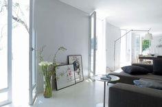 Un gris clair printanier dans le salon