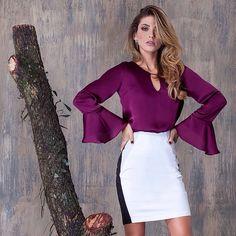 Blusa de Silk Satin com detalhe no colo e no punho. Saia lápis alfaiataria com recorte na frente tom de areia e com fenda nas costas. #saia #blusa #winter #lojista #artmaia Instagram @_artmaia