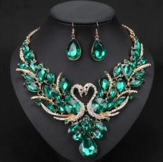 Elegant and cheap jewelry set of earrings and necklace for women. This jewellery set comes in 10 colors like red, blue, green, purple crystals and more. Fashion Necklace, Fashion Jewelry, Prom Necklaces, Bridal Jewelry Sets, Cheap Jewelry, Luxury Jewelry, Earring Set, Crystal Jewelry, Crystal Necklace