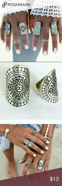 Ring set Price FIRM....Stylish 4 piece ring set!!! You will get so many compliments as I do!!.....One size. Adjust to your size Accessories