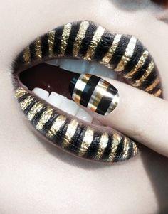 Gold stripe lips