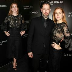 #AmyAdams was also at the #NBRGala (with husband #DarrenLeGallo)! Amy wore #Marchesa!! • • • • • • • • • • • • • • • • • • • • • • • • • • • • • • #AmyAdams também esteve no #NBRGala (com o marido #DarrenLeGallo)! Amy vestia #Marchesa!!