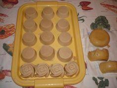 Kecsketejes szappan jázmin és zöld tea illóval Ice Tray, Cube, Soap, Cosmetics, Homemade, Diy, Home Made, Bricolage, Do It Yourself