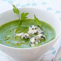 Découvrez la recette Soupe de brocoli au roquefort sur cuisineactuelle.fr.