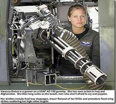 women_in_combat_c130_yoest_gatling