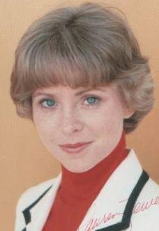 Lauren Tewes, née à Braddock (Pennsylvanie) le 26 octobre 1954, est une actrice américaine.  Elle est surtout connue pour avoir joué le rôle de Julie McCoy dans La croisière s'amuse dès le début de sa carrière en 1977, et a également fait des apparitions cette même année dans des séries télévisées comme Starsky et Hutch ou Drôles de dames. Elle sombra ensuite dans la drogue, suite ou conséquence de son éviction de La croisière s'amuse en 1984, dont elle parvint à se sortir.