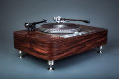 My custom made walnut Garrard 401 plinth...after 18 months Garrard Turntable, Hifi Turntable, Turntable Record Player, Record Players, Audiophile, High End Turntables, Electronic Circuit Projects, Diy Speakers, Audio Room