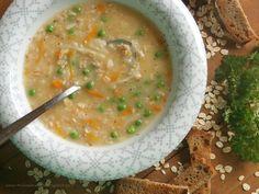 Moje babi uměla vynikající polévky. Tahle je po pražence asi moje nejoblíbenější.Hustá, sytá a navíc zdravá. Babička jí vařila jen něk... Cheeseburger Chowder, Food And Drink, Soup, Recipes, Rezepte, Soups, Recipe, Cooking Recipes