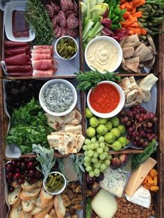 """A farm crate crudite filled with the copious freshness of summer -- g """"Grazing table appetizers"""" Antipasto Platter, Crudite Platter Ideas, Food Platters, Cheese Platters, Food Buffet, Cooking Recipes, Healthy Recipes, Detox Recipes, Snacks Für Party"""