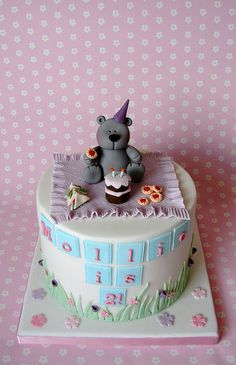 Teddy Bear Birthday Picnic Cake | Flickr - Photo Sharing! Teddy Bear Birthday Cake, Teddy Bear Cakes, Teddy Bears, Fondant Cake Toppers, Cupcake Cakes, Pig Cakes, 6 Cake, Cake Art, Fancy Cakes