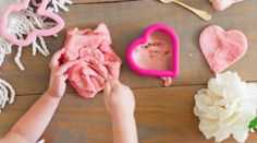The Best Homemade Playdough Recipe with Essential Oils for Calming The Ultimate Summer Chores Checklist Hanging Herb Gardens, Hanging Herbs, Diy Hanging, Easy Churros Recipe, Churro Recipe, Best Homemade Playdough Recipe, Ice Cream Painting, Diy Privacy Fence, Coffee Bar Home