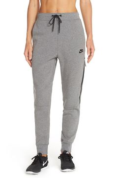Layer up for cooler weather in these cozy Nike sweatpants that are designed for lightweight warmth.