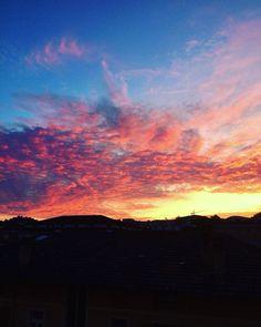 "Summer Sunset @mb68 su Instagram: ""#Sunset #summer #clouds #lugano #ticino #Switzerland"""