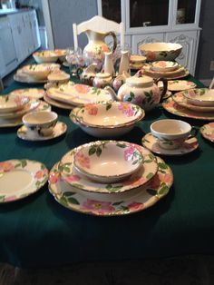 Franciscan Desert ROSE Dinnerware 33 Pc Set Service for 6 / USA / Plates, Bowls, Cups, Saucers by ThePinkVintageRose on Etsy Desert Rose Dishes, Franciscan Ware, China Display, 1 Rose, Cork Stoppers, Salad Plates, Flower Shape, Rose Buds, Dinner Plates