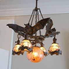Omg this Bat Chandelier is everything!!! Can we just win the lottery please?? made by @fullerrobertsco #batdecor #decorgoals #halloweenstyle