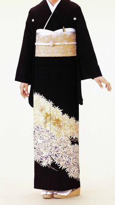 kurotomesode (Black Kimono)