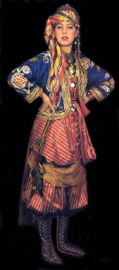 Traditional bridal (but also: general festive) village costume from the province of Isparta.