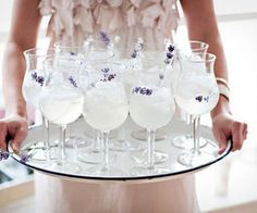 I love cocktails. I love lavender. This seems like a perfect combo for a wedding drinks reception! When your drinks smell as good as they look. Try dropping some lavender into your cocktail to infuse it with a delicate floral scent Virgin Mojito, Cocktail Cake, Cocktail Drinks, Summer Cocktails, Party Drinks, Gold Drinks, White Cocktails, Cocktail Ideas, Cocktail Parties