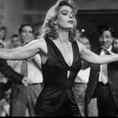 Melina Mercouri - the tavern scene from the film Never on Sunday Belle Epoque, Never On Sunday, Divas, Best Actress Award, Greek Music, Best Songs, Cannes Film Festival, Up Girl, Cool Costumes