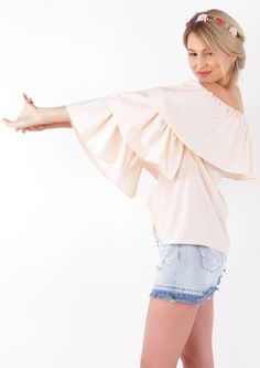 Bring the bardot neck trend into your evening wardrobe this season with this layered frill trim with removable sleeves. - Bardot neckline - removable sleeves - sleeves - Layered frill trim - one size - Model is 175 Bardot, Size Model, No Frills, Layers, Peach, Ruffle Blouse, Sleeves, Tops, Women