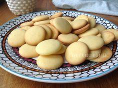 Žloutkové piškoty Christmas Sweets, Christmas Cookies, Desert Recipes, Amazing Cakes, Crackers, Food Inspiration, Deserts, Ice Cream, Eggs
